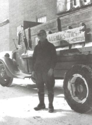 Employé de A. Deslauriers et fils ltée. 1945